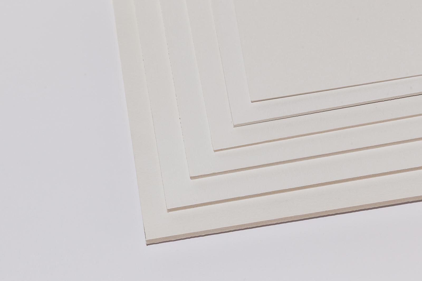 Kölner Pappe kaschiert, auch einseitig selbstklebend