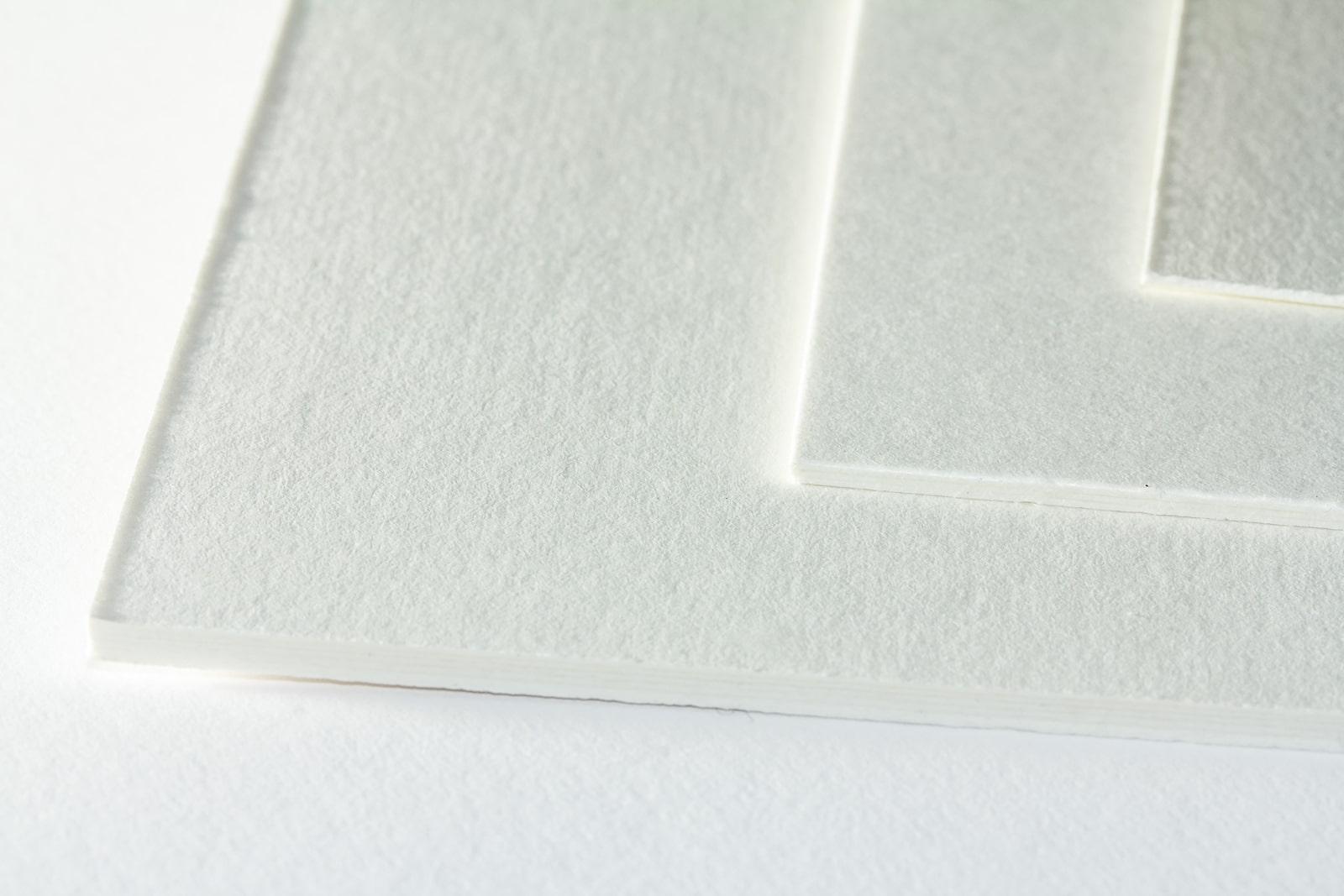 Die Oberflächenstruktur unseres ungepufferten Photo-Archivkarton in naturweiß