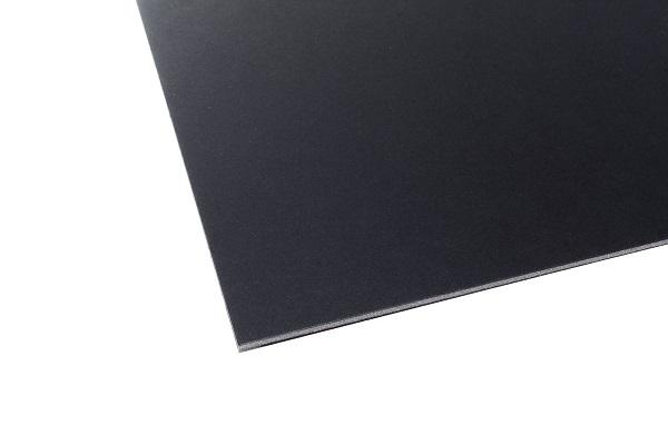 Eine schwarze Airplac Leichtschaumplatte in mehreren Formaten und Dicken