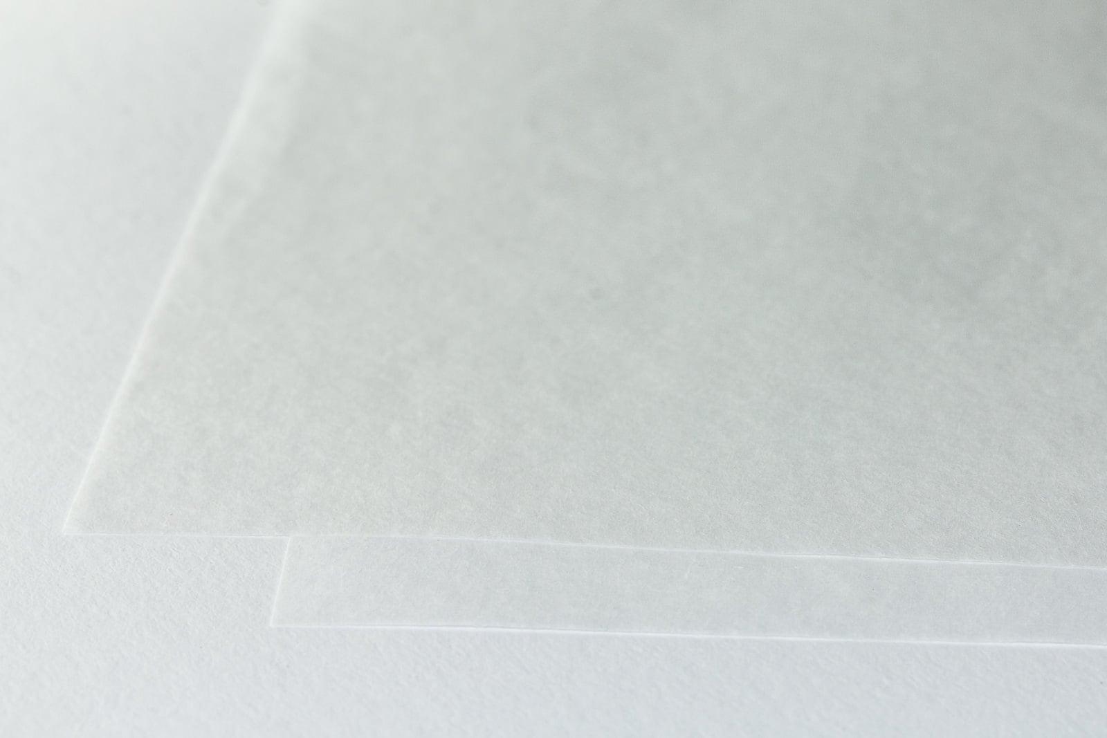 Eine Aufnahme unseres Juwelier-Seidenpapier in gepuffert und ungepuffert
