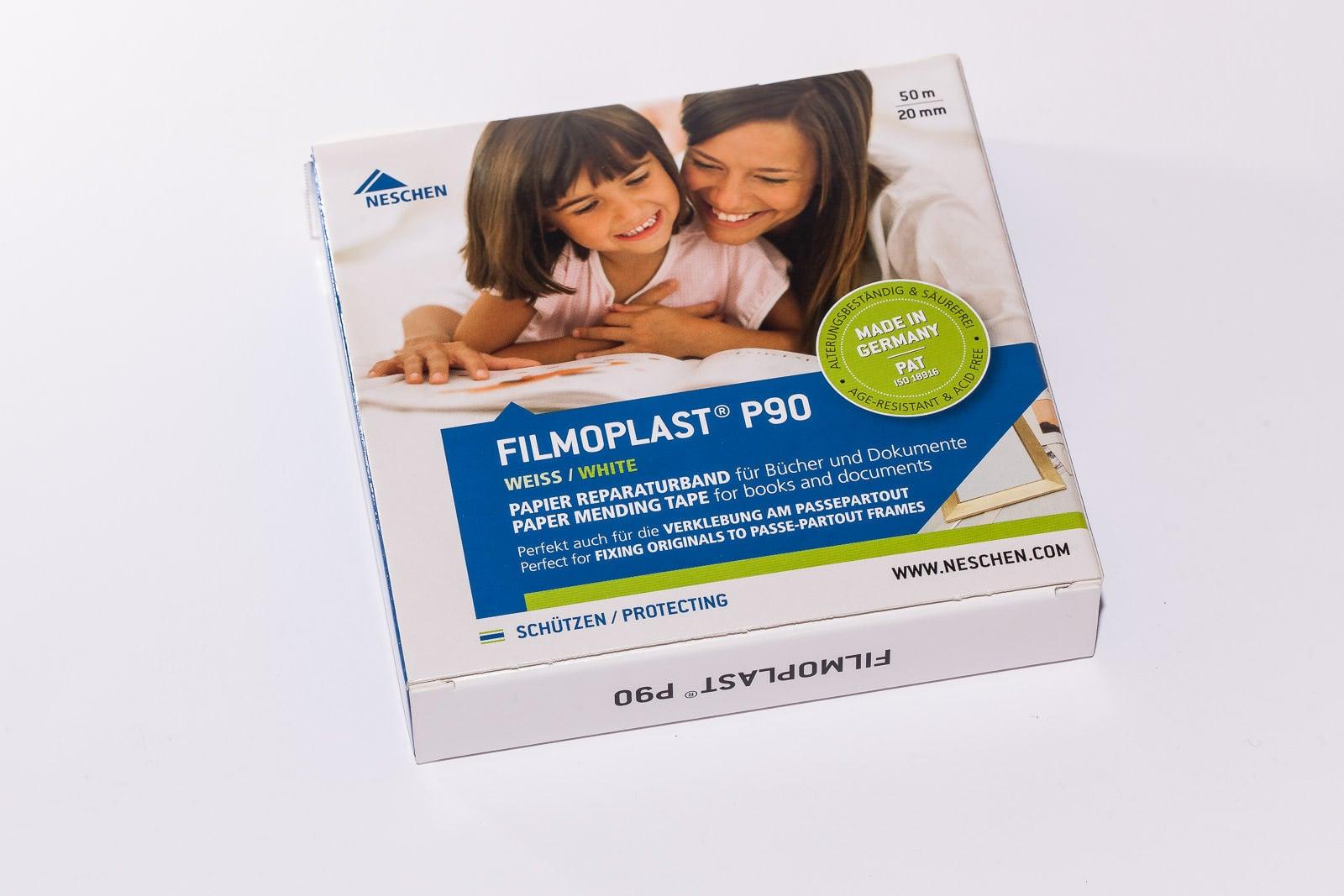Filmoplast P 90, auch im Spender, ist ein säurefreies und gepuffertes Klebeband der Marke Filmoplast